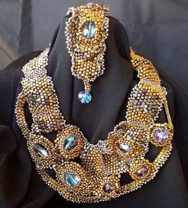 vizantijski nakit sa plavim kamenima
