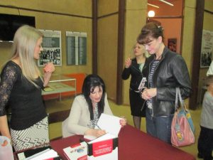 dr marija randjelovic potpisivanje knjige