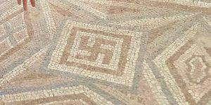 mozaik kukasti krst