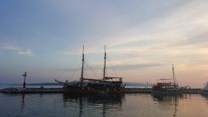 brodovi more suton