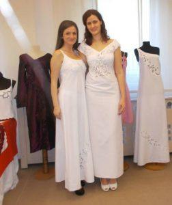 kraljevski vez haljine bele