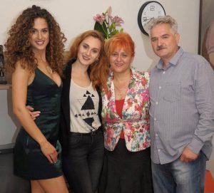 maja sa porodicom