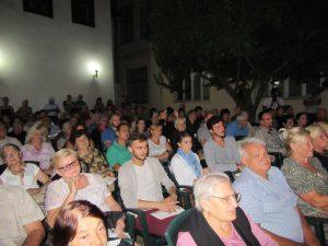 publika na koncertu Milosa Radovica
