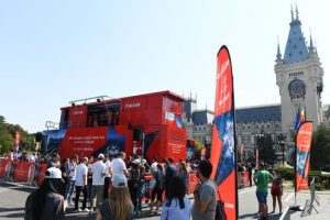 UEFA Champions League Trophy Tour 2016 presented by UniCredit, Iasi, Romania: --- show truck - public ---,  *** Local Caption *** +++ www.PortablePast.com +++ Copyright: PortablePast / Malte Christians +++