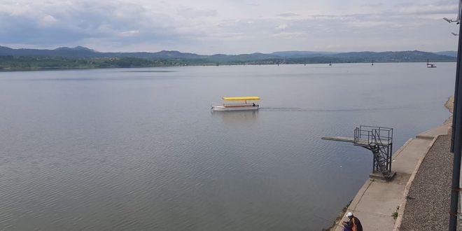 Jezero MODRAC pleni svojom snagom