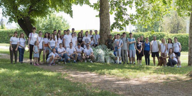 Više od 60 volontera čistilo Nišku tvrđavu