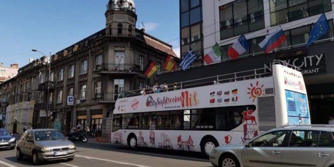 Po uzoru na svetske metropole-Niš dobio turistički bus!