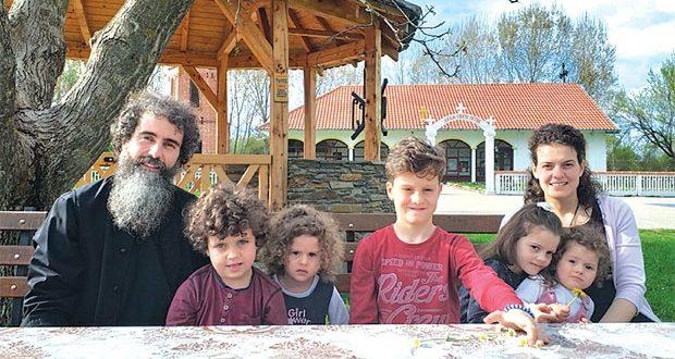 Otac Dalibor porodio suprugu Tamaru u porodičnoj kući