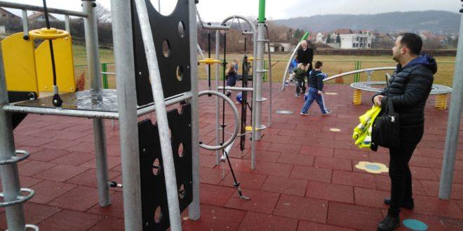 NIVEA obradovale mališane u Vlasotincu novim igralištem