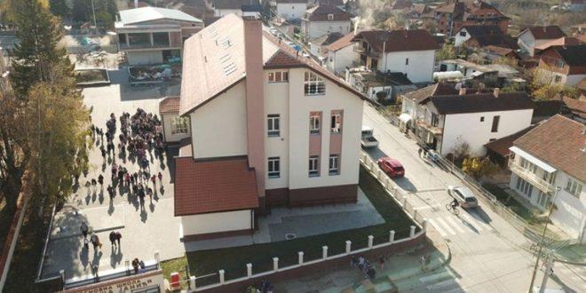 "U školi ""Siniša Janić"" otkrivaju nove horizonte uz pomoć Erazmus + projekat"
